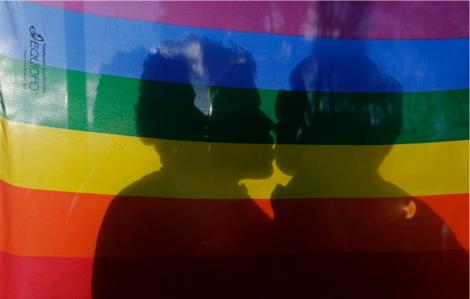 Parejas del Mismo Sexo en Ecuador recibiran los beneficios nacionales-Siluetax