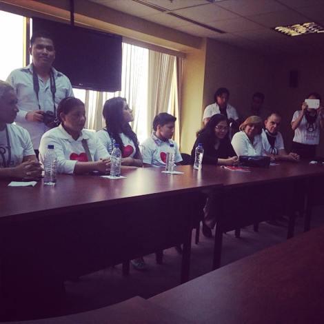 GLBTI se reunen con Presidenta de la Asamblea para presentar propuestas 3
