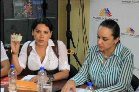 GLBTI se reunen con Presidenta de la Asamblea para presentar propuestas 8