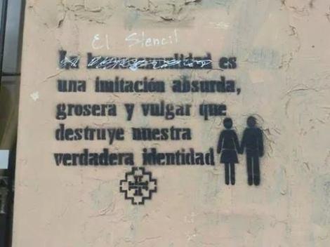 Panfletos en contra de la diversidad sexual en Cuenca