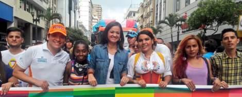 Marcha del Orgullo y Diversidad Sexual 2016 encabezada por la Federación de organizaciones LGBTI Diane Rodriguez y Marcela Aguinaga (1)