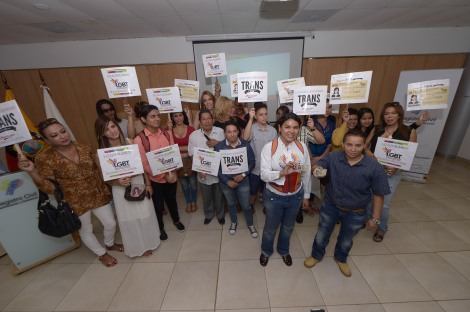 SOC  Inicio el proceso para el cambio de Género por  sexo en las cédulas de los LGBT, Diane Rodríguez transexual femenina y George Hidalgo transexual masculino, el evento se lanzó en el registro civíl del sur de la Av. 25 de Julio. FOTOS: KARLY TORRES / EL TELÉGRAFO