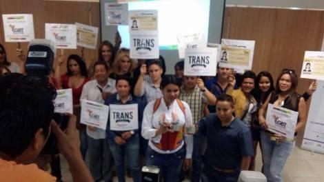 Transexuales logran la sustitución de sexo por genero en la cedula en Ecuador (20)