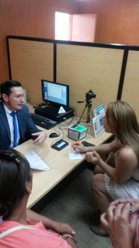 Transexuales logran la sustitución de sexo por genero en la cedula en Ecuador (8)