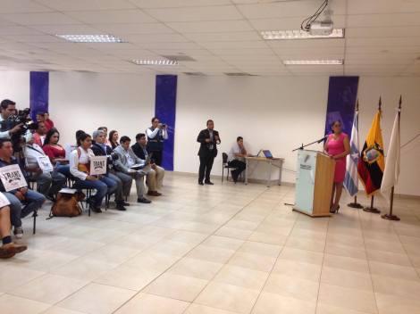 Transexuales logran la sustitución de sexo por genero en la cedula en Ecuador (9)