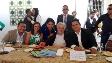 diane-rodriguez-presidenta-de-la-federacion-ecuatoriana-de-organizaciones-lgbt-hablando-junto-a-pepe-mujica-ex-presidente-de-uruguay-y-senador