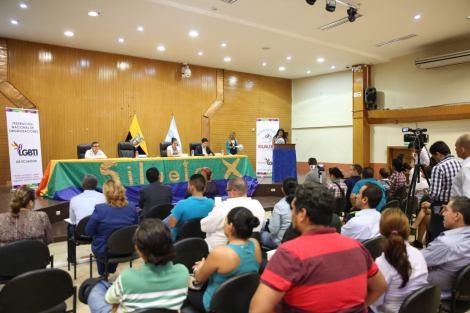 firma-del-acuerdo-por-la-igualdad-ecuador-federacion-ecuatoriana-de-organizaciones-lgbti