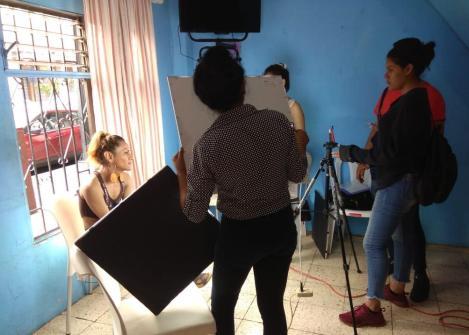 Prácticas - Investigación estudiantes universitarios colegios con LGBT Trans en Guayaquil - Quito - Ecuador - Silueta X 2 .jpg